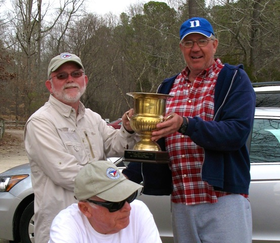 Tom Rummage, left,  accepts Carolina Cup from RD, Bob Szczepanski